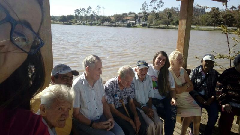 Os idosos nas Termas de Ibirá.